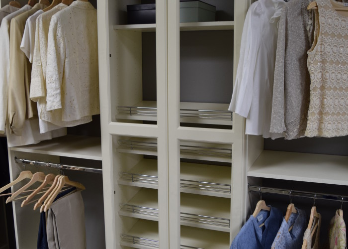 Custom closet shoe storage