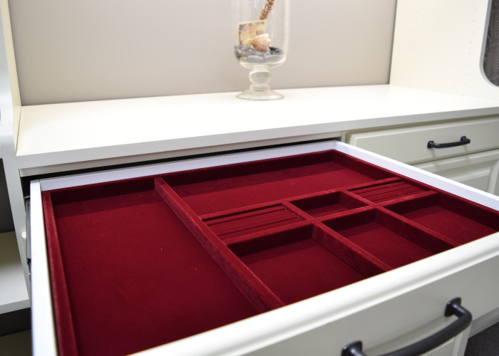 Jewelry drawer organizer