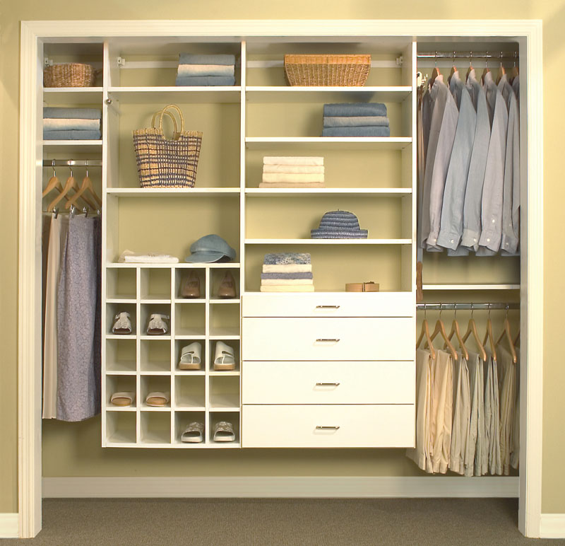 Closet drawers in reach-in closets can include islands with seats to increase space in the bedroom